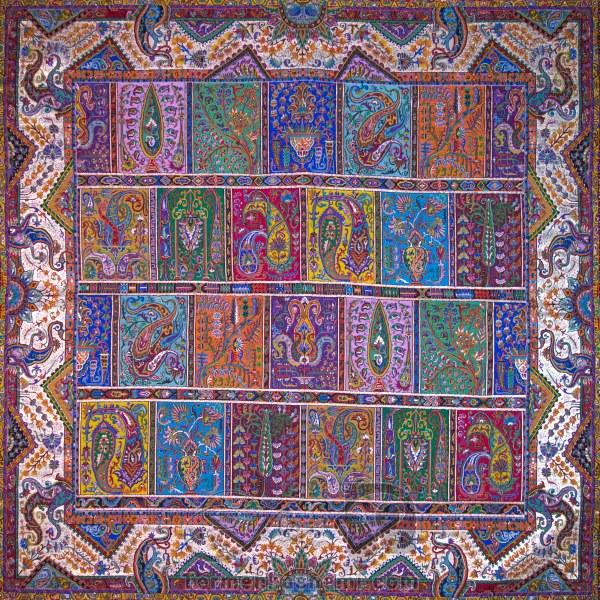 رومیزی ترمه طرح دیوان خشتی - مربع ۱۰۰×۱۰۰ سانتی متر - رنگ لمه طلایی تار مشکی